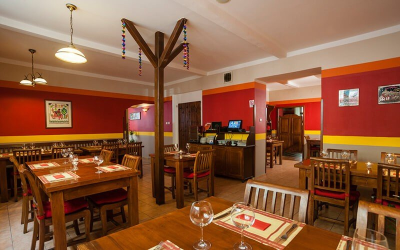 best cheap restaurants in prague curry palace prague
