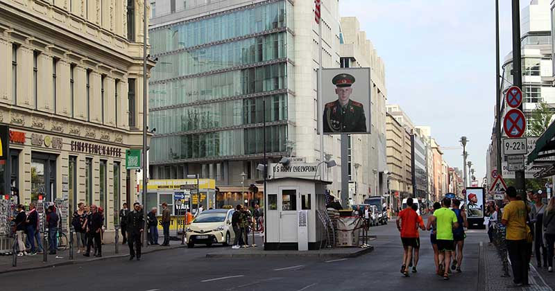 berlin tourist attractions checkpoint charlie berlin