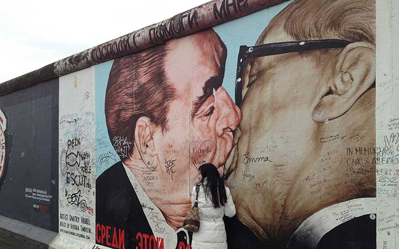 berlin tourist attractions the berlin wall