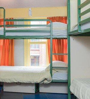 durty nellys inn hostel amsterdam