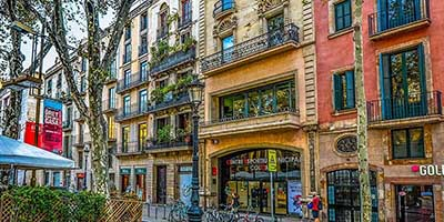 barcelona street buildings fascade