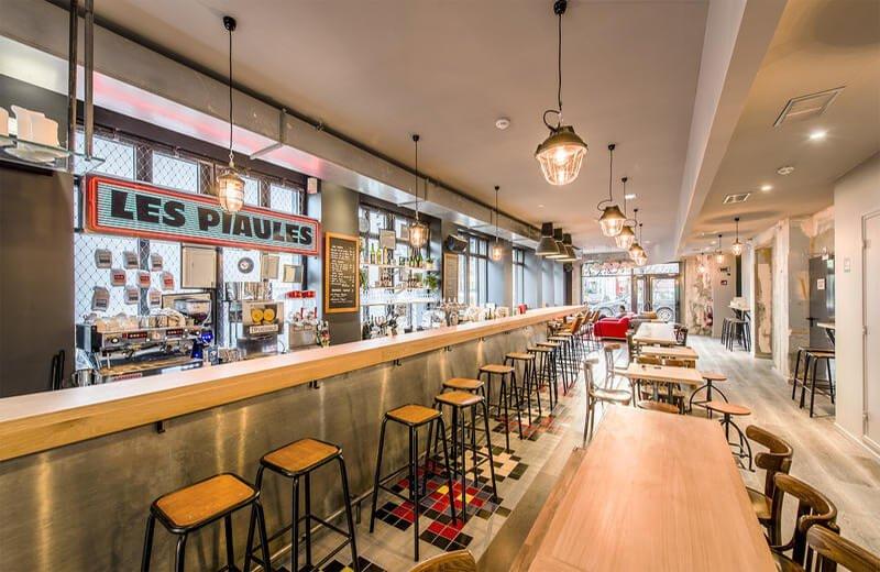 how do hostels work les piaules hostel paris bar