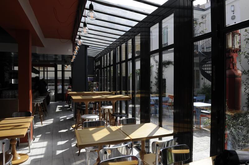Best Hostels in Paris The 3 Ducks Eiffel Tower Paris