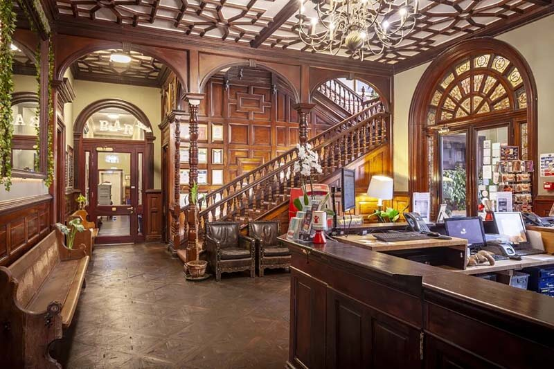 Palmers Lodge Swiss Cottage London